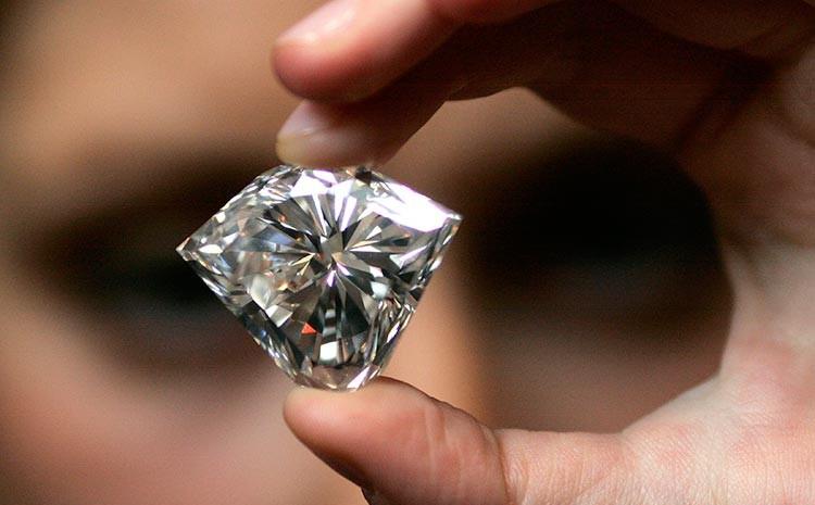 Тестер діамантів допоможе безпомилково розпізнати справжній діамант і його  підробку